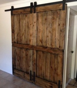 barn-door-farmhouse-furniture