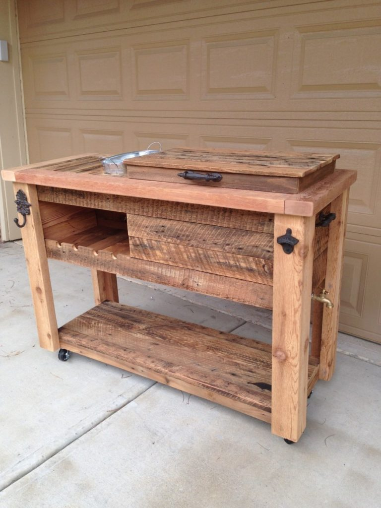 rustic-cedar-cooler-patio-cooler-with-ice-chest-spigot-wine-rack