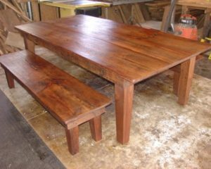 rustic-dining-room-table-bench